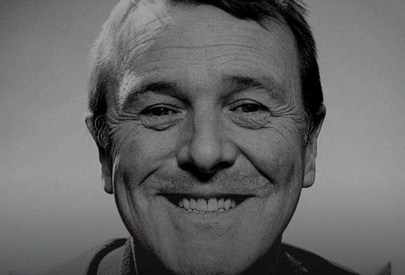 Enjoy an Evening with Phil Tufnell at East Grinstead Sports Club