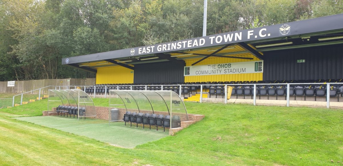 Seated stand