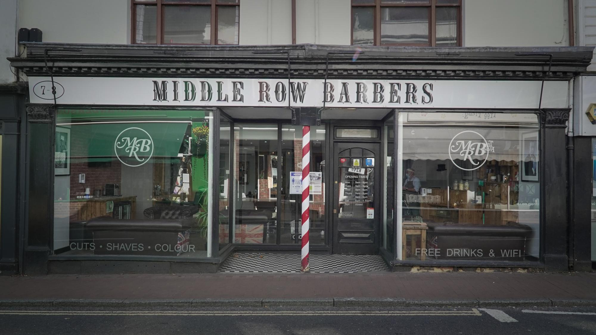 Middle Row Barber exterior